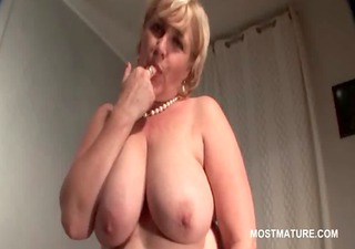 big beautiful woman busty mature rides a cucumber