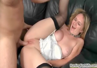 Sexy blonde milf goes crazy jerking