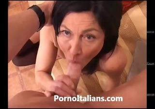Italian Milf Cougar hot - Matura italiana scopata